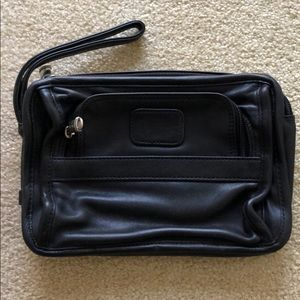 Tumi Leather Bag UNISEX MINT CONDITION LIKE NEW!
